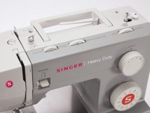 SINGER 4411 Heavy Duty - Top View