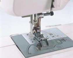 10 Best Sewing Machines 2019, Reviews & Comparison